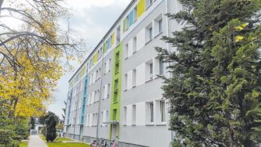 Mut zur Farbe: Frische, fröhliche Details lockern die Haus-Fassade in der Nordstraße 5c bis 5f auf.