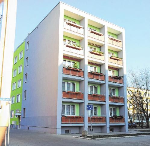 Der Wohnblock in der Artur-Beckerstraße 1 - 3 wurde 2010 modernisiert. Die Wohnungen gehören zu den beliebtesten im Zentrum.