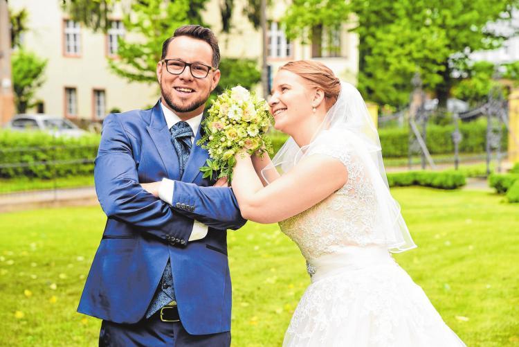 Stefanie und Eric Kurth haben sich im Sommer des vergangenen Jahres das Ja-Wort gegeben. Foto: Foto Küttner